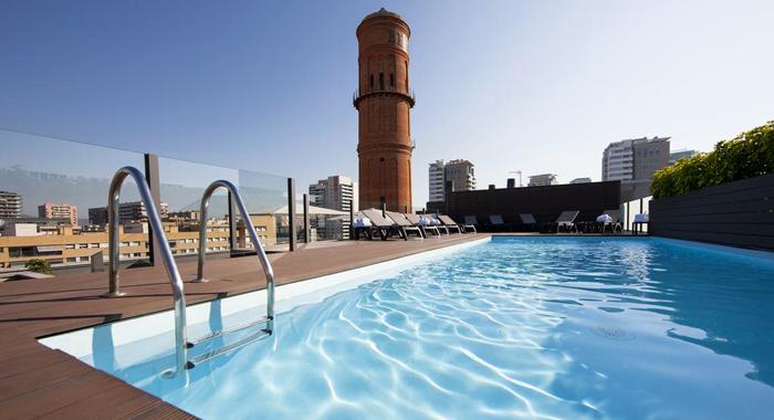 Elegant Und Mit Pool Auf Dem Rooftop Hotel Attica21 Barcelonatipps