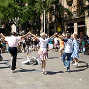 Sardana vor der Kathedrale Barcelona